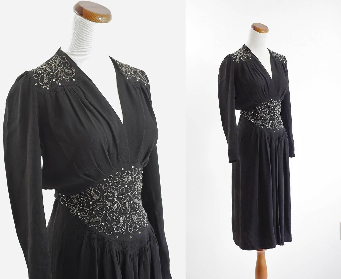 40s Dress Black Beaded Dress 1940s Evening Dress Xs Etsy Black Beaded Dress 1940s Evening Dresses Evening Dress Fashion [ 1125 x 1374 Pixel ]