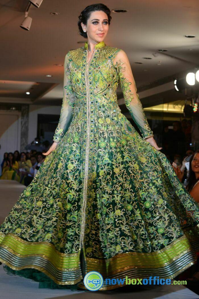 karishma kapoor at neerus - Google Search | fashion | Indian