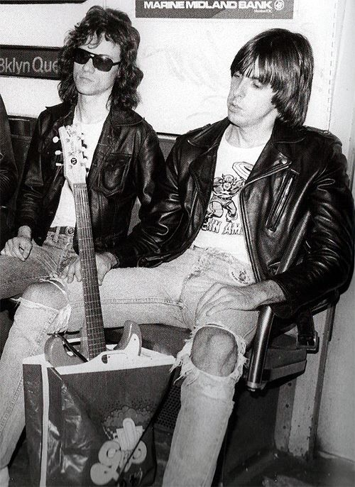 Ramones subway