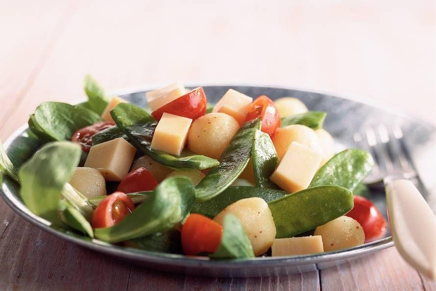 Kijk wat een lekker recept ik heb gevonden op Allerhande! Aardappelsalade met mosterddressing