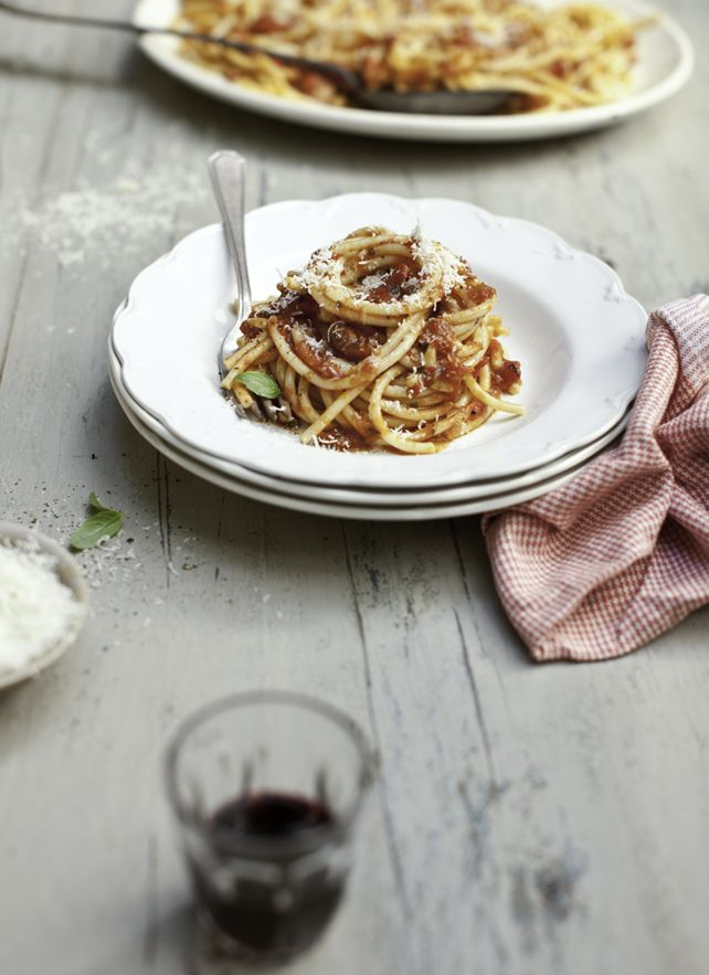From What Katie Ate blog, Katiw Quinn Davies is a great photographer and the styling looks as tasteful as the food, Yum.