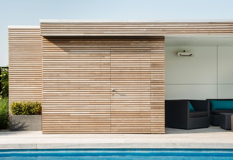 Modern pool house in timber livinlodge garden room t