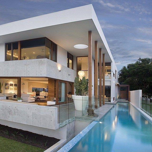 新築住宅の外観アイディア10選 箱型なナウトレンドデザイン: Follow @myluxurymag For The Best Homes & Luxury Lifestyle! @myluxurymag