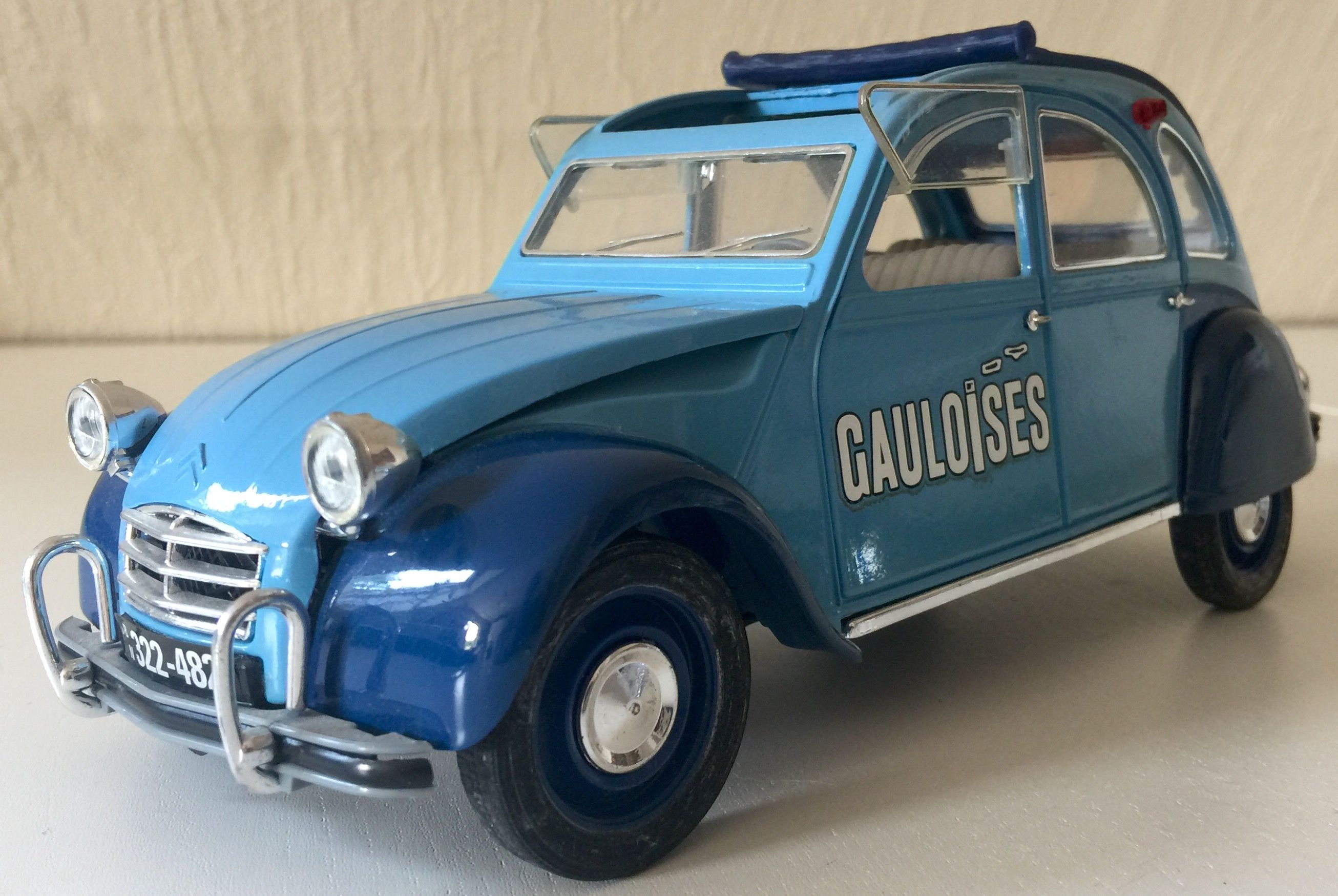 Citroen 2cv Gauloises 1 17 Solido Citroen Car Diecast Cars Toy Car