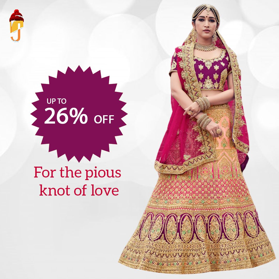 Enchanting Bridal wear, adorned with intricate embellishments, resonating the innate of feminity is pure bliss.  Like👍 Comment 💬 Share👏  #designerlehenga #bridallehenga #bridalwear #bridalgoals #indianwedding #weddingdiaries #jalebeinc #buynow #onlineshopping #bridalgown #dulhan #dulhanwear