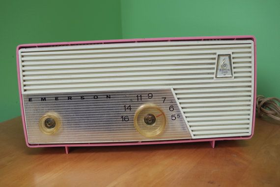Fabulous Vintage PINK 1950s Emerson TableTop by retrowarehouse