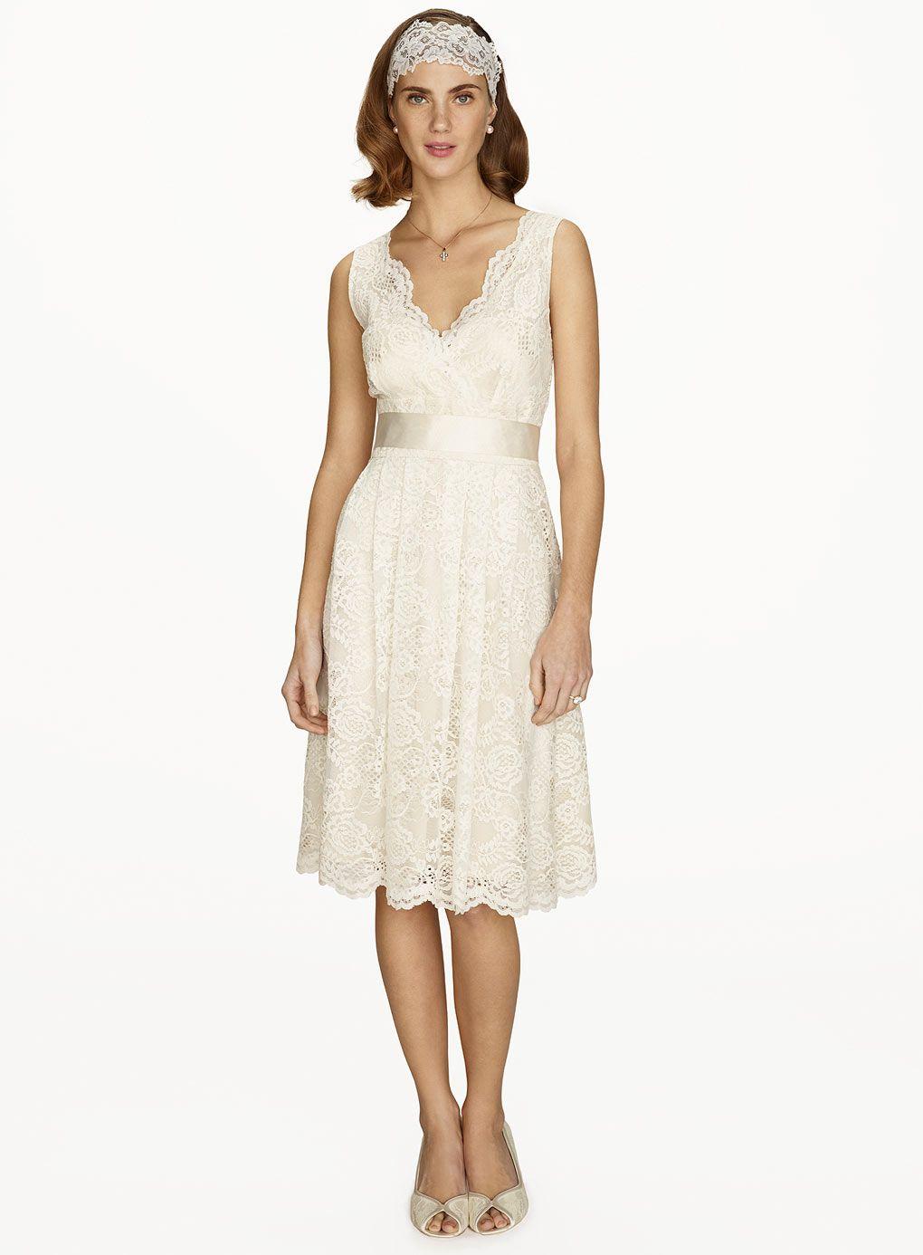 Sofia short bridal dress httpweddingheartbhs wedding sofia short bridal dress httpweddingheart ombrellifo Choice Image