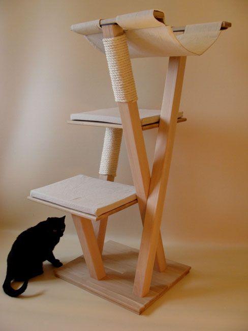 un grand arbre a chat en bois chats pinte. Black Bedroom Furniture Sets. Home Design Ideas