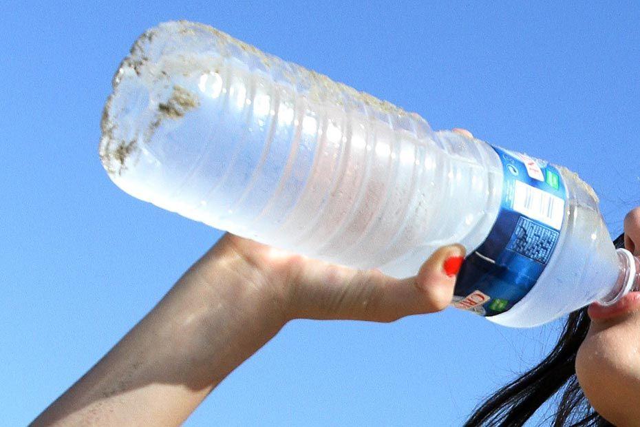 Polluants dans l 39 eau les marques concern es pour ma - L eau du robinet ou l eau en bouteille ...