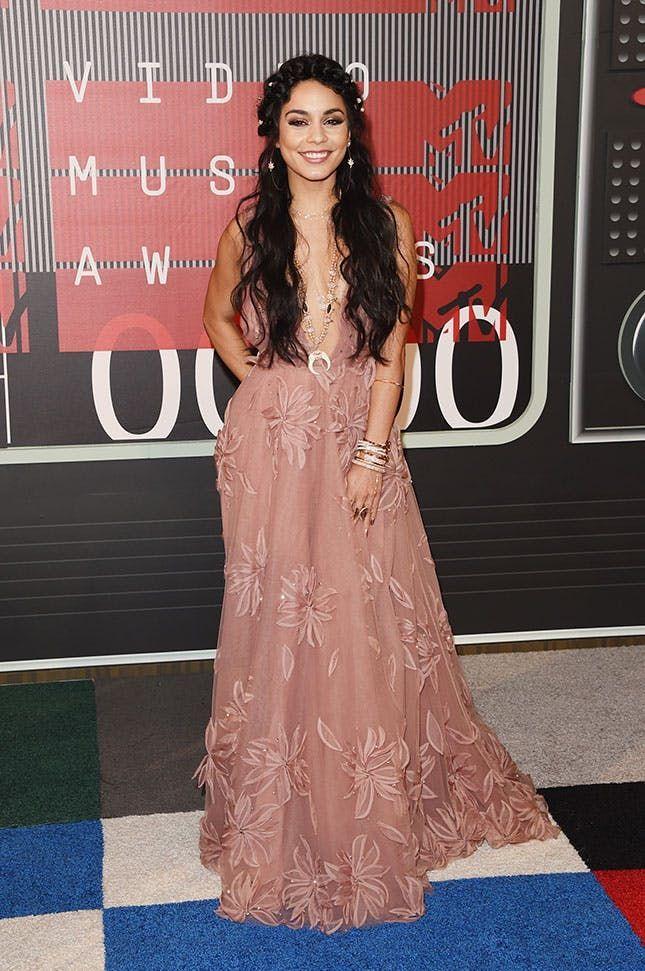 Vanessa Hudgens Served Up Major Bridal Inspo on the VMAs Red Carpet