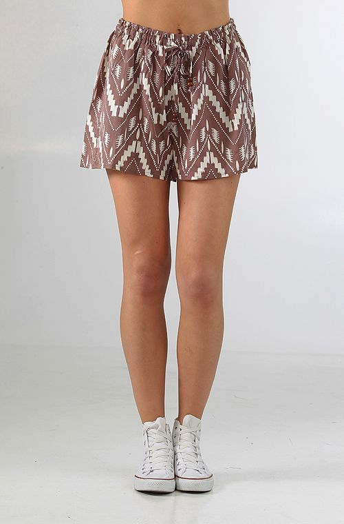 Obey Nomad shortsit Deep Taupe 29,90 € www.dropinmarket.com