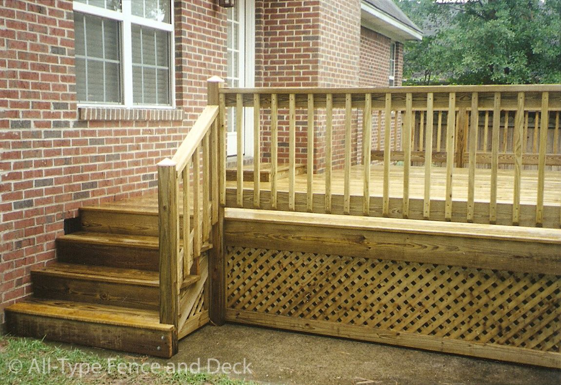 Best Wonderful Deck Skirting Ideas To Use For Your Home 400 x 300