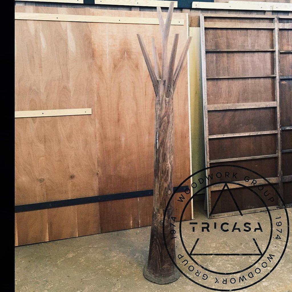 https://flic.kr/p/xmijEP | #enproceso perchero fabricado en madera maciza de #tzalam. Proyecto: Arq. Ligia Quijano #tricasa #woodwork #group #excelenciaencarpinteria