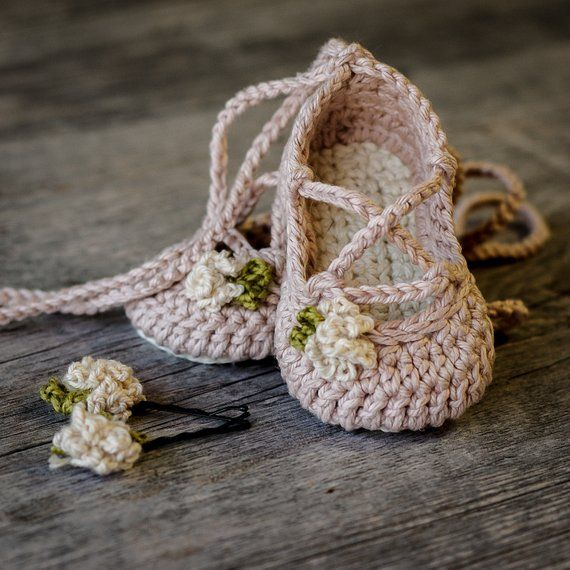 Crochet Baby Pattern Strappy Ballet Flats - Baby Crochet - 3 sizes and 3 variations included - Newbo #uncinettoperbambina