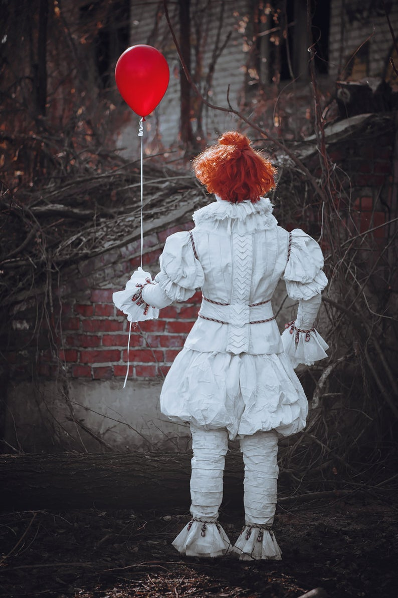 Pennywise Costume Dancing Meme