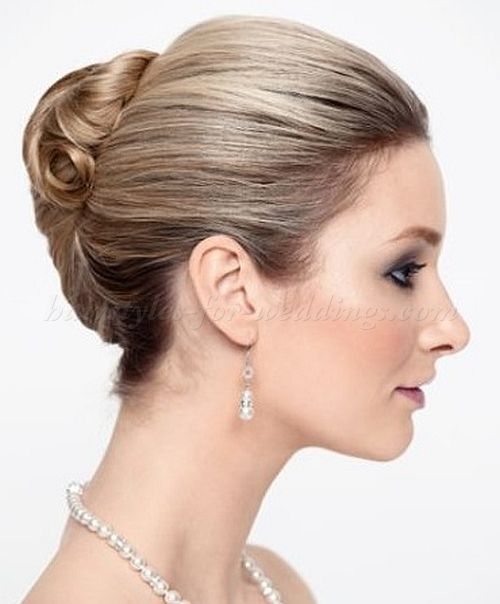A collection of popular wedding hairstyles for 2017 bridal a collection of popular wedding hairstyles for 2017 bridal hairstyles for medium short and junglespirit Gallery