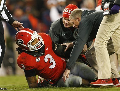 Todd Gurley Tears Acl Ending Season And Likely Uga Career Heart Broken He Was A Beast Todd Gurley Georgia Georgia Bulldogs