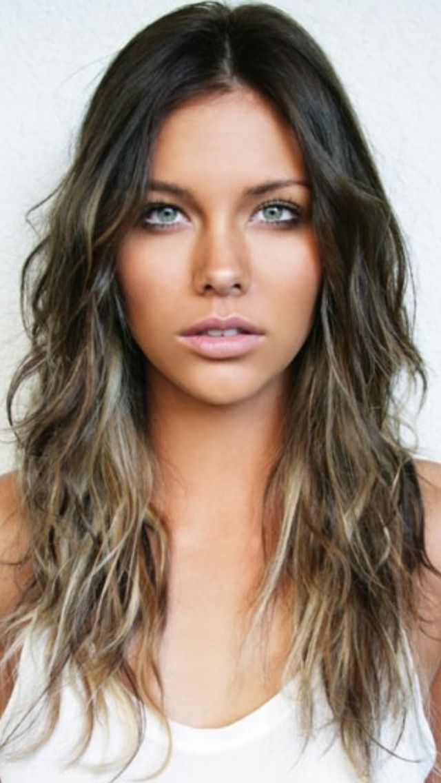 8 Makeup Looks To Never Wear On A Date Brunette Locks Pinterest