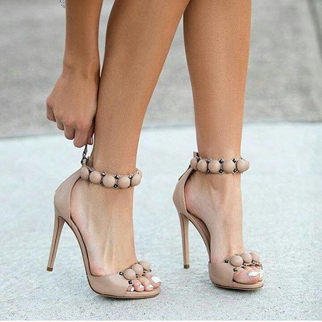 Perfection via @real.shoes.fashion 💛 @fashionboxstyle 💛 @fashion4girlboss 💛 @zivkovic_sl 💛🔝For Shopping Link in my Bio🔝