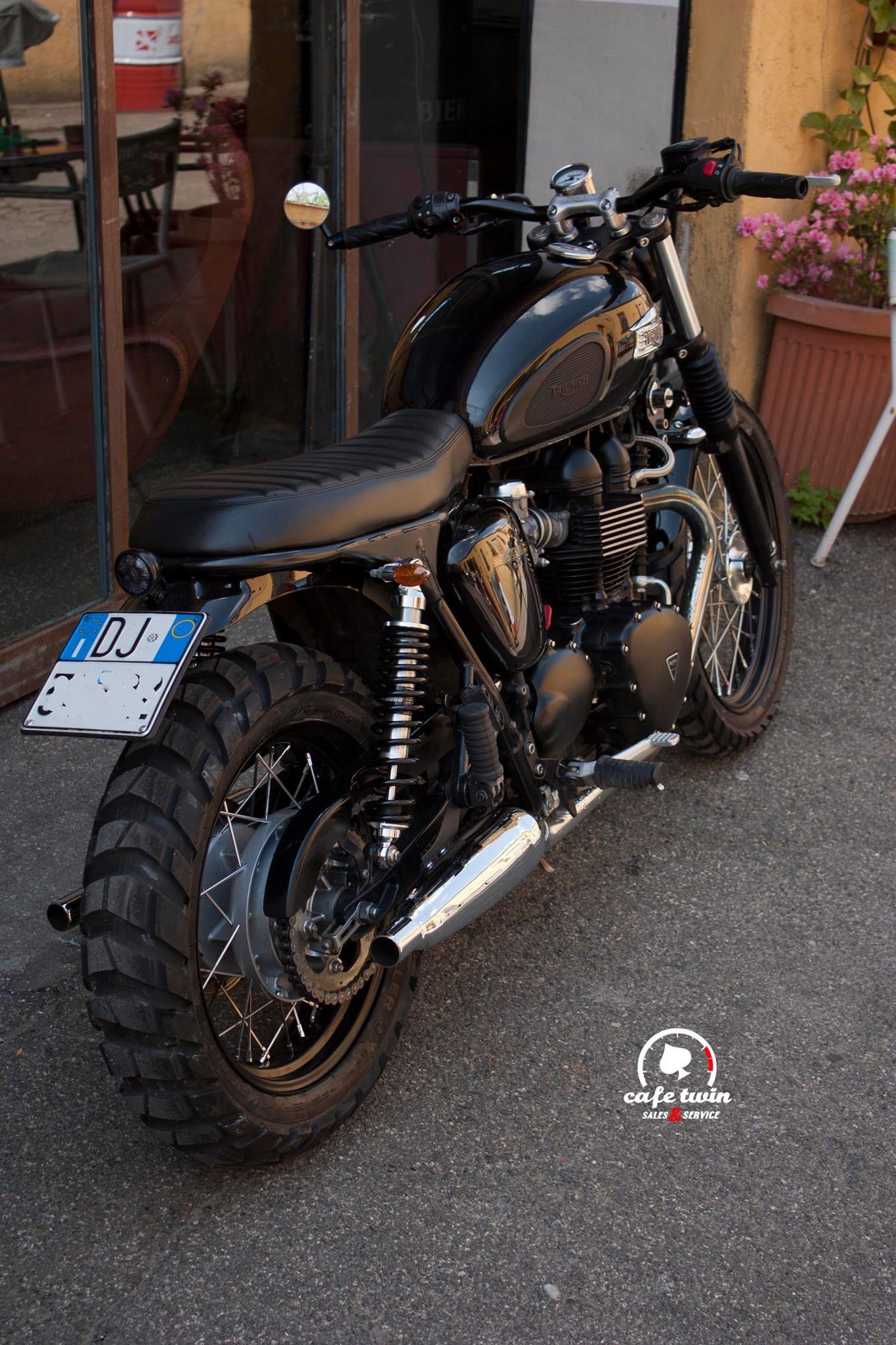 Triumph Bonneville With Metzeler Karoo 3 Tires Bikes Motorcycle