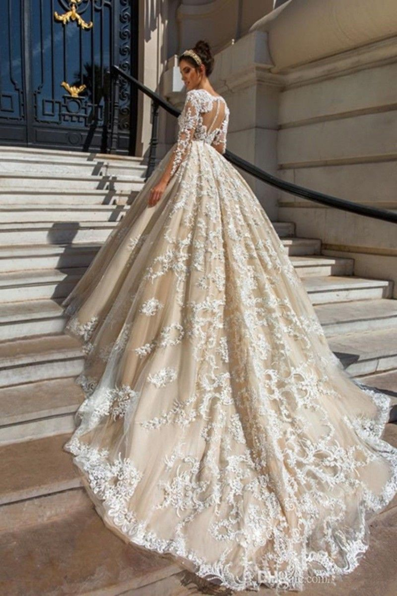 175.72 New Plunging Ball Gown Wedding Dress Cathedral
