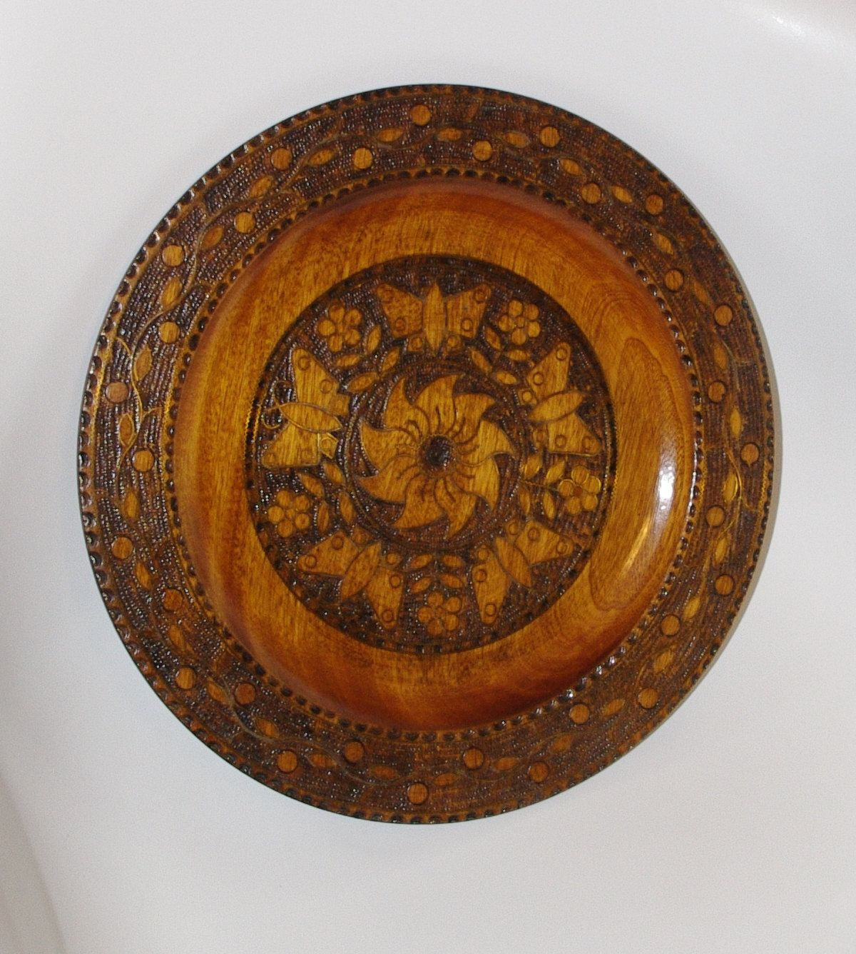 Vintage Handcarved Brown Wooden Plate Woodburning Pyrography Etsy Wooden Wall Hangings Plate Wall Decor Plates On Wall