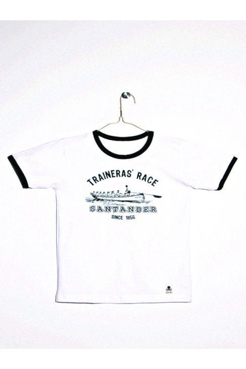 Camiseta blanca de manga corta con estampado de trainera.  Rematada  en cuello  y mangas en contraste verde. www.mokkima.com