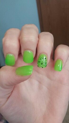 Nail Art Lime Green Speckles Designs