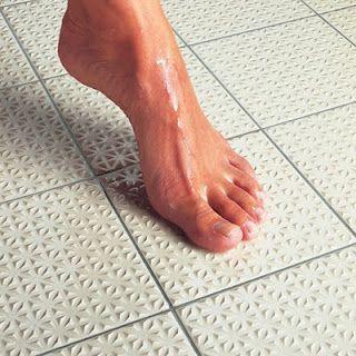 non slip bathroom flooring