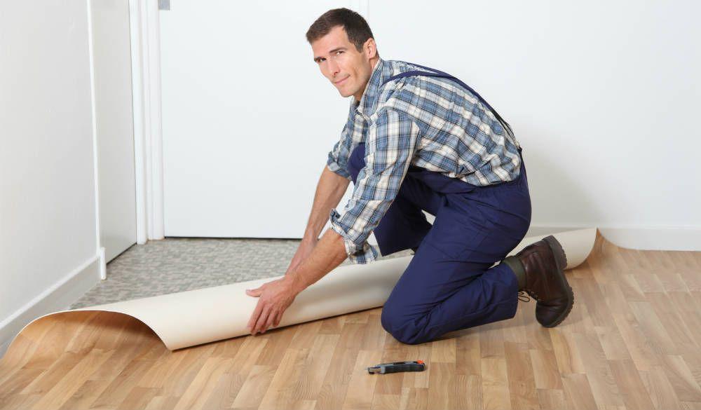 Comment poser du vinyle ou lino au sol deco lino sol - Comment poser du carrelage salle de bain ...