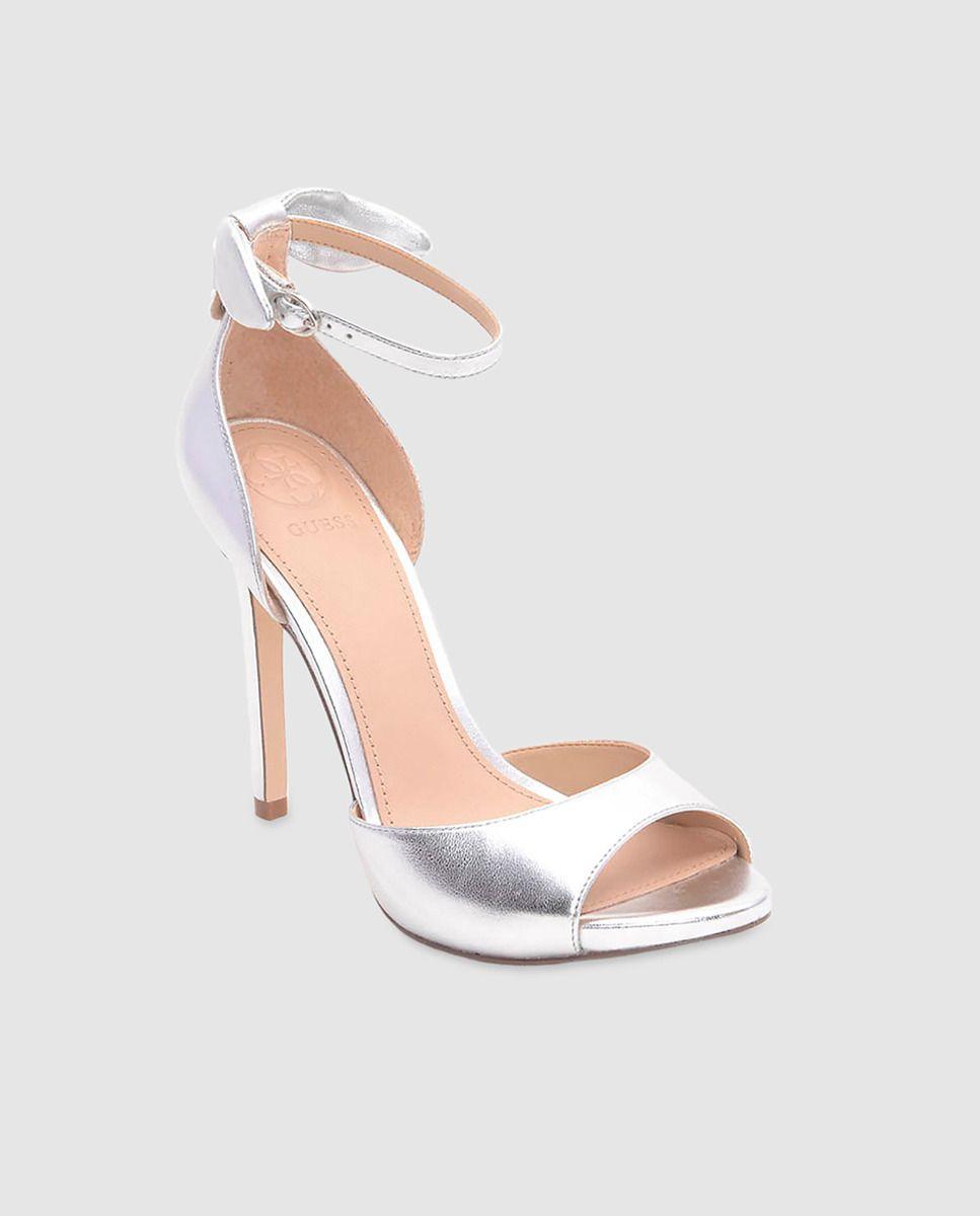 d9cc6f7f7 Sandalias de tacón de mujer Guess plateadas con lazo · Guess · Moda · El  Corte Inglés