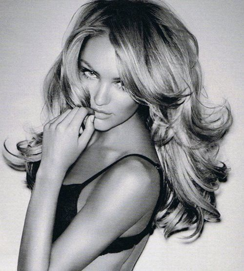 Victoria secret hair! Ugh... le sigh. Funny it looks so effortless but probably takes forevvvaa!!