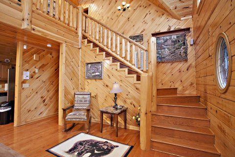 Find A Large Cabin Rental In Gatlinburg Pigeon Forge Tn With Images Cabin Cabin Rentals Luxury Cabin