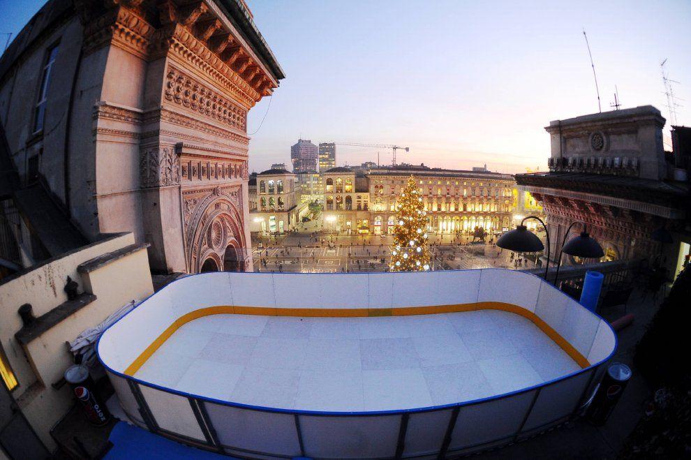 La Terrazza On Ice Sui Tetti Della Galleria Si Pattina