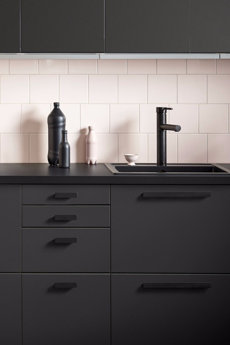 Ikea Kungsbacka Kitchen But With Lighter Counter And Handles Would Not Do A Busy Floor With Dark Sleek Kitchen Cabinets Sleek Kitchen Black Kitchen Cabinets