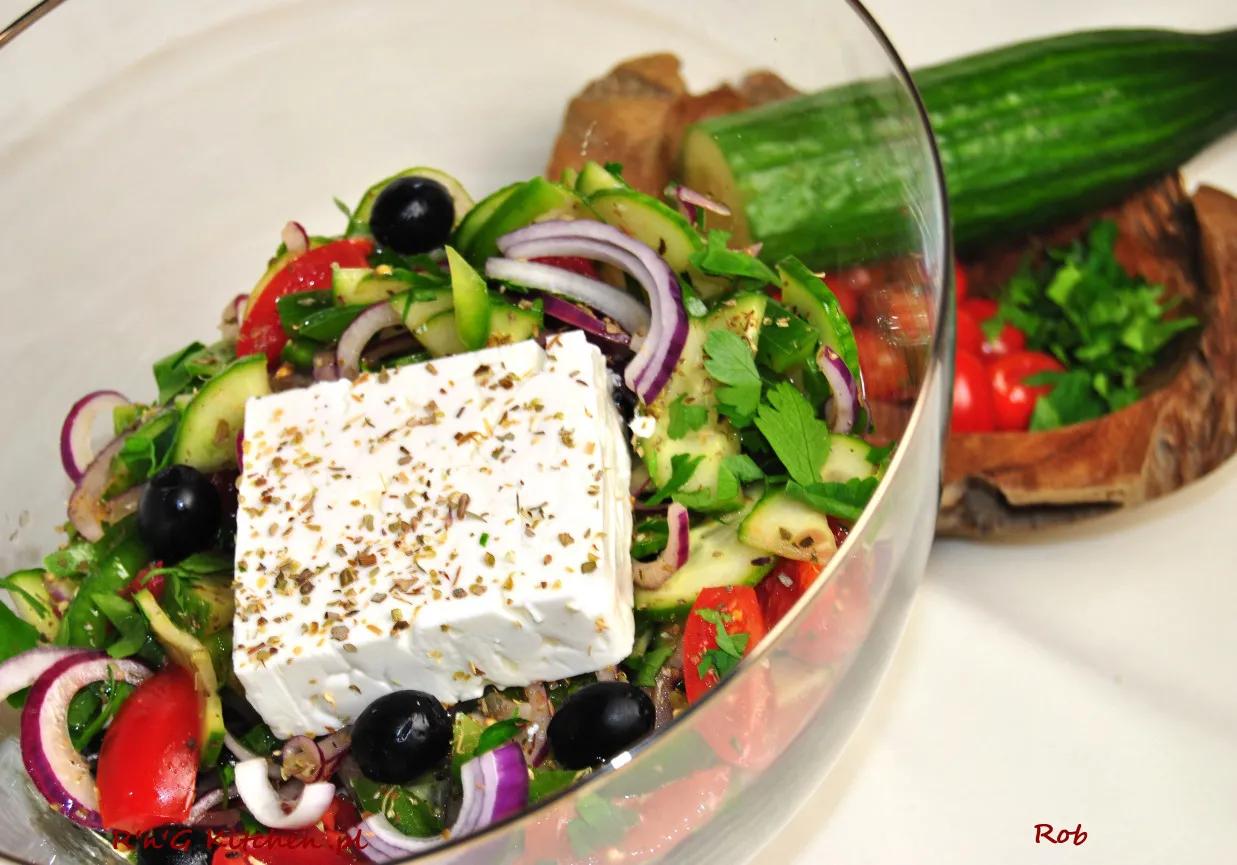 Horiatiki Salatka Grecka Doradcasmaku Pl Recipe Food Healthy Recipes Healthy