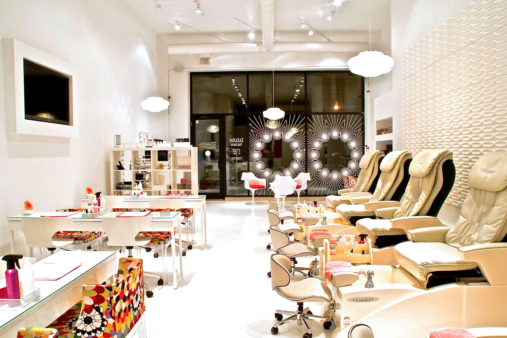 The Best Nail Salons In Chicago With Images Salon Interior Design Nail Salon Interior Design Nail Salon Interior