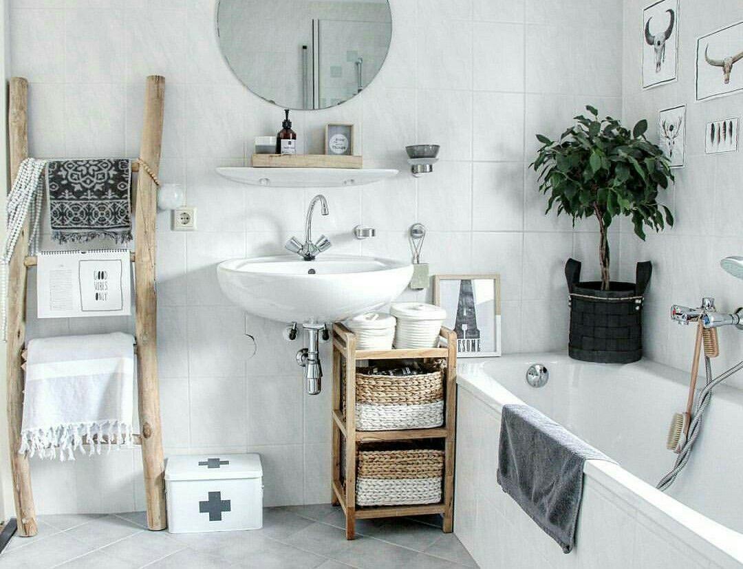 Sdb scandinave   Deco salle de bain, Idée déco salle de bain, Rangement sdb