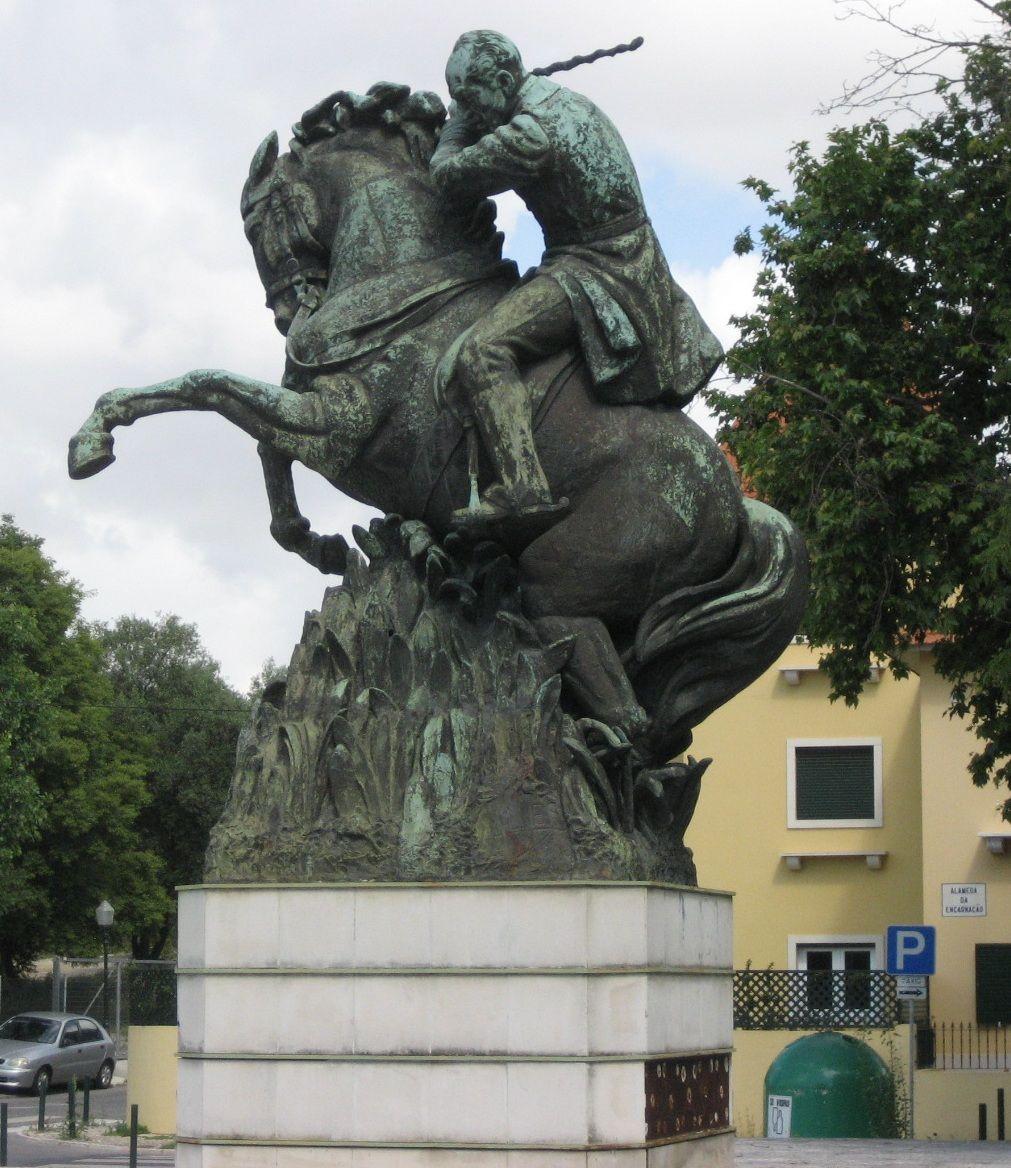 Estátua de Ferreira do Amaral