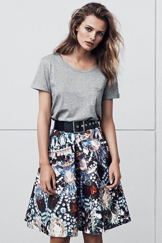 New season, new fashion! | Gray jersey tee and gem print skirt #HMFall