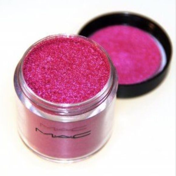 Selling this MAC Pigment! in my Poshmark closet! My username is: normazzzortizz. #shopmycloset #poshmark #fashion #shopping #style #forsale #MAC Cosmetics #Other