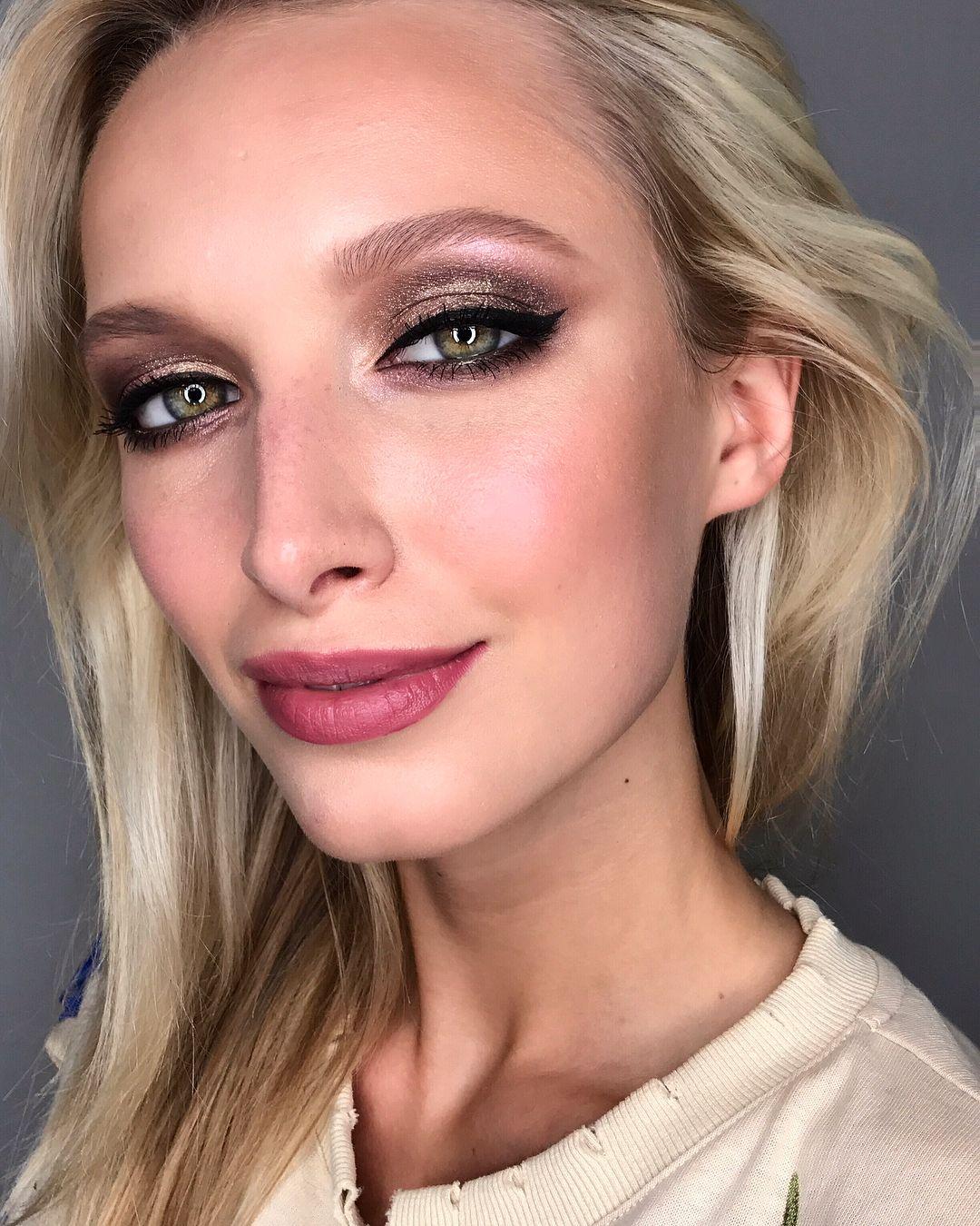 Pin by 𝑚𝑖𝑎 ♡࿐ * ゚. on bARK BARK ☻︎   Cute makeup