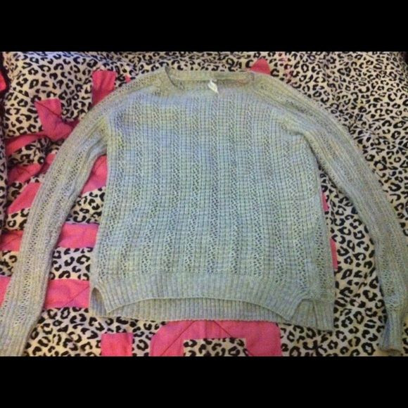 Aeropostale light grey knit sweater Aeropostale light knit oversized sweater. Light grey. Size small Aeropostale Sweaters