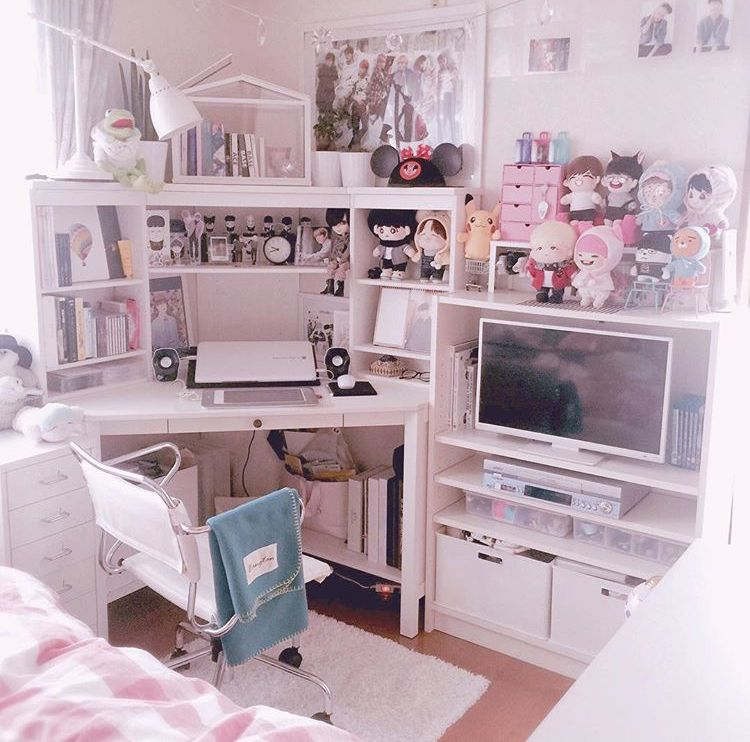 Helu It S My Room 3 How Bout Ur God I Wish My Room Looked Like That Army Room Decor Study Room Decor Aesthetic Bedroom