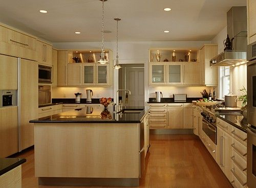 Kitchen designed using irpinia cabinets with english for Sycamore interior designs