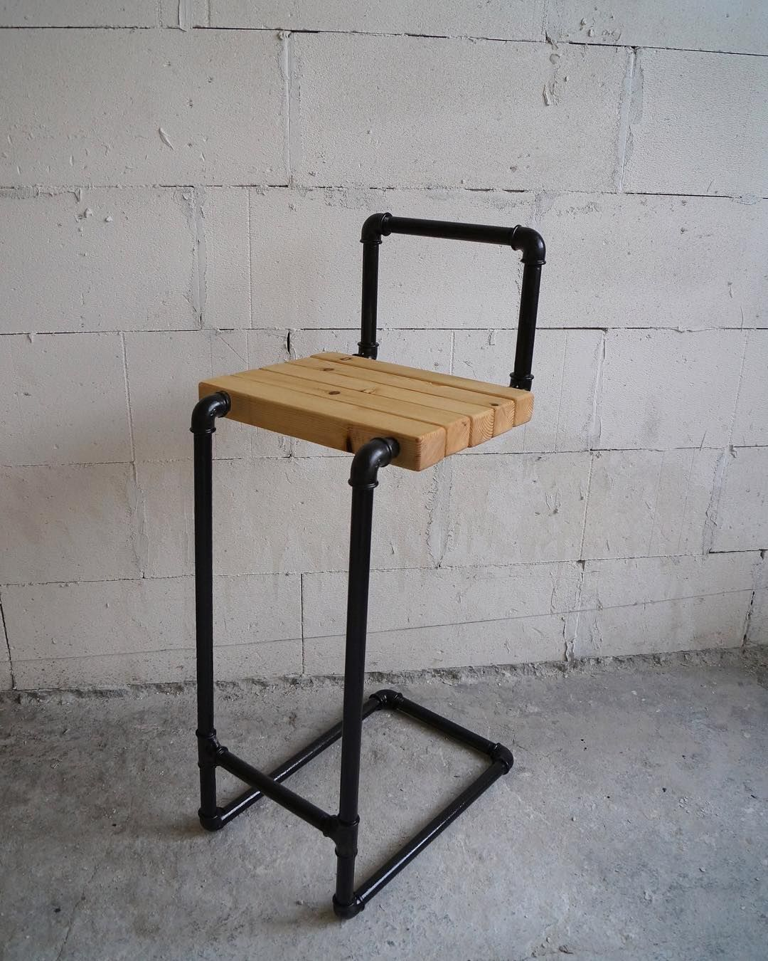 diy industrial pipe chair  needs boards on back Use different