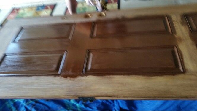 Minwax Gel Stain In Hickory Door Partially Done In Photo Light Sand Of The Fiberglass Stain In 1 Coat 3 Coats O Minwax Gel Stain Staining Wood Gel Stain