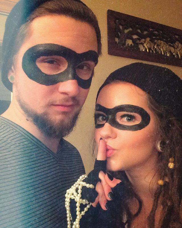 Lazy Halloween Costumes 2020 Pin for Later: 40+ Easy Halloween Costumes For Lazy Partygoers