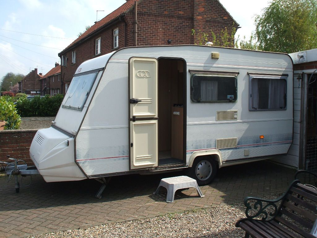 ADRIA OPTIMA 440B 4 BERTH TOURING CARAVAN REDUCED and