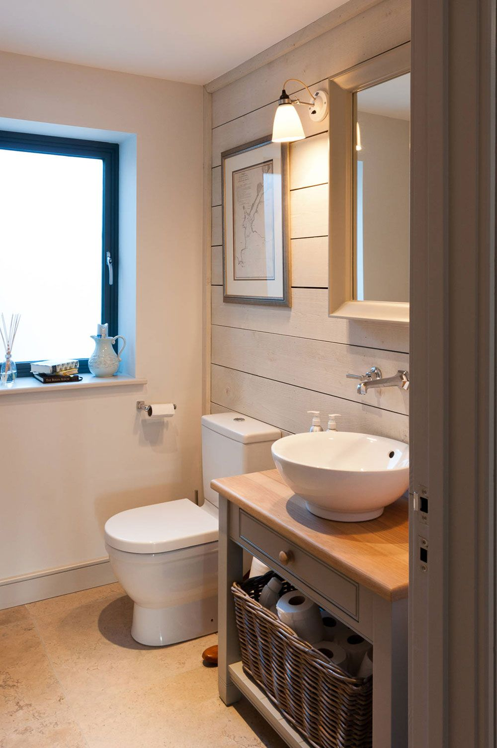 How To Make A Small Bathroom Look Ger7 Ger Tips And Ideas